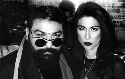 گلوکارہ میشا شفیع ایسا لباس پہن کر حسن شہریار یاسین کی پارٹی میں پہنچ گئیں کہ سب پھٹی پھٹی آنکھوں سے دیکھنے لگے، تصاویر سوشل میڈیا پر آئیں کہ صارفین بھی چپ نہ رہ سکے