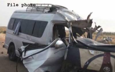 گوجرانوالہ میں ٹرک اور وین میں تصادم،6 افراد جاں بحق،20 زخمی