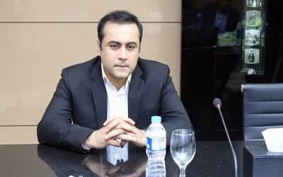 """"""" اب تحریک انصاف کو سیکھ لینا چاہیے کہ جب وہ۔۔۔"""" لودھراں الیکشن میں شکست پر سینئر صحافی منصور علی خان میدان میں آگئے، آئینہ دکھا دیا"""