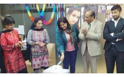 نادیہ ارم کا سلمان خان سے والہانہ اظہارمحبت،سالگرہ منائی اور کیک کاٹا