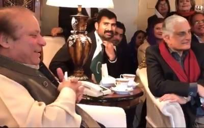 '' میاں صاحب آپ نے یہ کام جو کیا وہ ٹرننگ پوائنٹ تھا ''طلال چوہدری نے ایسی بات کہہ دی کہ نواز شریف کے لئے ہنسی چھپانا ممکن نہ رہا