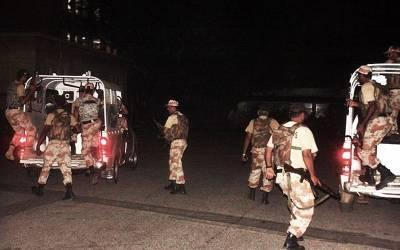 رینجرز کی کراچی کے مختلف علاقوں میں کارروائیاں ،کالعدم تحریک طالبان کے دو دہشت گردوں سمیت13 ملزمان گرفتار ،اسلحہ برآمد