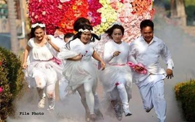 تھائی لینڈ ، آبادی کی قلت کے خاتمے کے لیے شہریوں میں محبت کی گولیاں تقسیم