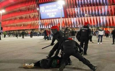 سپین میں فٹ بال میچ کے دوران شائقین کے پتھراؤ سے پولیس اہلکار ہلاک