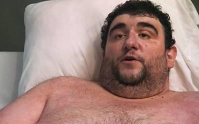 380 کلو وزنی آدمی جس کی زندگی پر ٹی وی شو بنایا جارہا تھا ہسپتال میں انتقال کرگیا، لیکن جاتے جاتے اس کے آخری الفاظ کیا تھے؟ جان کر آپ کی بھی آنکھیں بھر آئیں گی