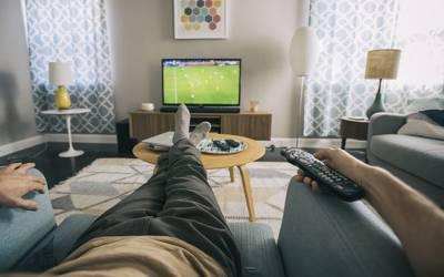 اگر آپ دن میں اتنی دیر ٹی وی دیکھتے ہیں تو آپ کو کینسر کا شکار ہونے کا خطرہ بے حد زیادہ ہے، سائنسدانوں نے خبردار کردیا