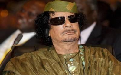 لیبیا میں سابق صدر معمر قذافی کی لاش کے بارے میں بحث چھڑ گئی