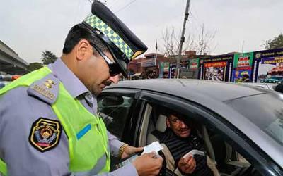 ٹریفک پولیس نے ڈیجیٹل چالان متعارف کرانے کا فیصلہ کر لیا