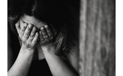 خاتون نے اپنا گھر کرائے پر دے دیا ، پھر کچھ عرصہ بعد اپنے والدین کو اسکی حالت چیک کرنے بھیجا تو وہاں کیا شرمناک ترین کام ہورہا تھا ؟ دیکھ کر پورا خاندان ہی ڈپریشن میں چلا گیا