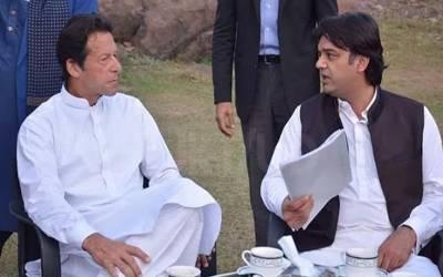 """عمران خان سے عثمان ڈا رکی ملاقات، خواجہ آصف کے """"لیبرکارڈ""""پر بریفنگ دی"""