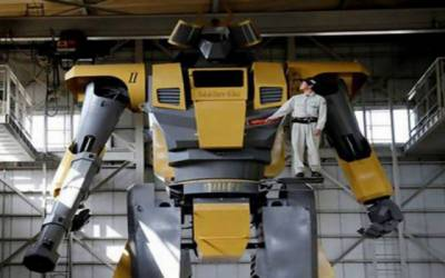 جاپان میں ساڑھے8 میٹر اونچا دلچسپ انسانی روبوٹ تیار