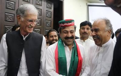 پشاور سے مسلم لیگ ن کے ایم پی اے ارباب وسیم حیات پی ٹی آئی کو پیارے ہوگئے