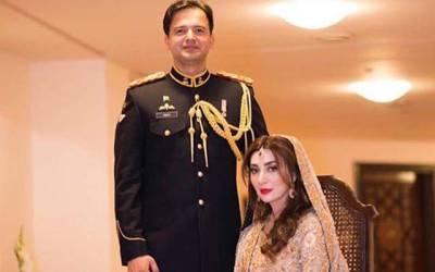 اداکارہ عائشہ خان کے شوہر میجر عقبہ نے ولیمے کی تقریب میں کون سے کپڑے پہنے؟ تصاویر نے سوشل میڈیا پر ایسی دھوم مچائی کہ ہر کوئی تعریف کرنے پر مجبور ہو گیا