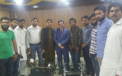 علی عدنا ن چوہدری کی ن لیگ کے سوشل میڈیا ارکان سے ملاقات،عام انتخابات کے حوالے سے گفتگو