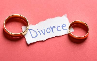ایک ہفتے میں سو سے زیادہ طلاق کے دعوے دائر