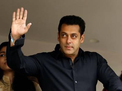 """بالی ووڈ کے سپر سٹار سلمان خان""""محبوبہ""""سے ملنے کے لیے مقبوضہ کشمیر پہنچ گئے"""