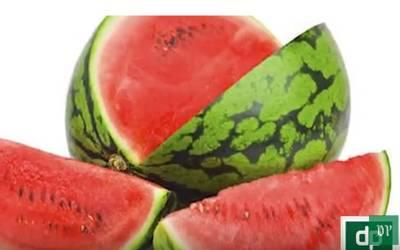 گرمیوں کا پسندیدہ پھل ''تربوز '' لیکن کیسے پتا چلے گا کہ کون سا تربوز لال اور میٹھا ہے ؟بڑی مشکل حل ہو گئی