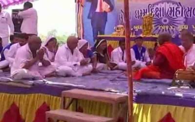بھارت، 300 دلتوں نے ہندو مذہب ترک کر دیا