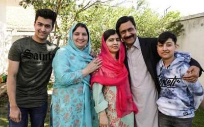 """ملالہ کے والد کا سوات میں قائم کردہ """"خوشحال سکول"""" بند، اساتذہ، عملہ فارغ"""