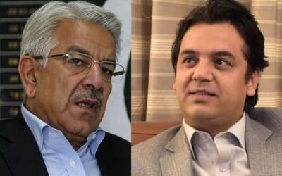 """""""عثمان ڈار کے والد نے خواجہ آصف پر احسان کیا لیکن سابق وزیر خارجہ نے احسان فراموشی کی جس کے بعد عثمان ڈار نے اپنے والد کی تضحیک کا بدلہ لینے کیلئے ۔۔۔ """" سینئر صحافی نے بڑے راز سے پردہ اٹھادیا"""