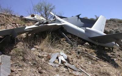 سرگودھا میں بغیر پائلٹ تربیتی طیارہ گر کر تباہ
