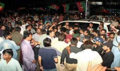 کراچی میں پیپلزپارٹی اور پی ٹی آئی میں تصادم کے بعد پولیس نے بڑا فیصلہ کر لیا