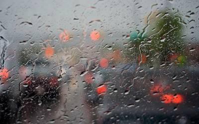 لاہور سمیت ملک کے مختلف حصوں میں بارش، موسم خوشگوار ہو گیا
