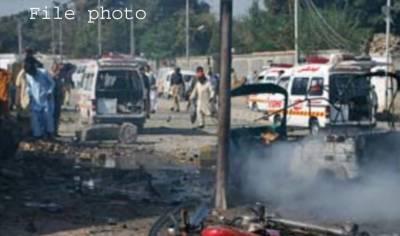 نوشہرہ میں کچہری چوک کے قریب خودکش حملہ ،3 ایف سی اہلکار شہید،8 افراد زخمی