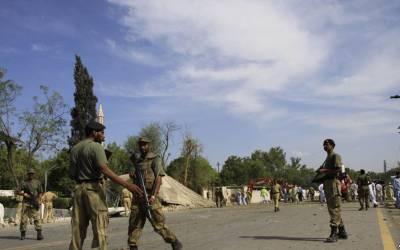 نوشہرہ میں سکیورٹی فورسز پر حملہ، دہشتگرد تحریک طالبان افغانستان کی تنظیم حزب الاحرار نے بھیجا:ڈی پی او