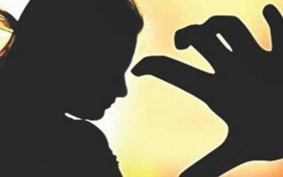 سانگلا ہل: 5 افراد کی اغوا کے بعد خاتون سے زیادتی، زنجیروں سے جکڑدیا