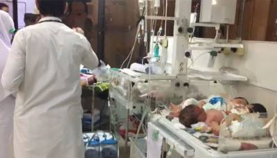 پشاور کے ہسپتالوں میں انکیوبیٹرز کی کمی کا سامنا، ایک انکیوبیٹر میں پانچ پانچ بچے لیکن ہسپتال انتظامیہ نے انتہائی حیران کن وجہ بتادی