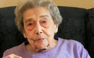 'میری لمبی عمر کا راز یہ ہے کہ میں نے کبھی کسی بھی مرد کو۔۔۔' 106 سالہ خاتون نے طویل زندگی کا ایسا راز بتادیا کہ مردوں کے ہوش اُڑادئیے