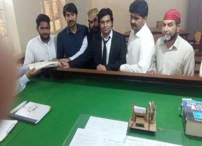 این اے 187لیہ سے آزادامیدوار سید ذوالقرنین شاہ بخاری نے کاغذات نامزدگی جمع کرادیئے