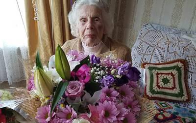 چور نے 100سالہ خاتون کی گردن توڑ دی، اپنی آخری سانسوں کے دوران جاتے جاتے وہ اس چور کے لیے کیا کام کر گئی؟ جان کر چوری کرنے والا خود ہی شرم سے پانی پانی ہو جائے