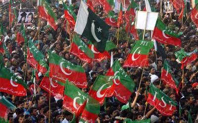 تحریک انصاف کا لاہور کے 8متنازعہ صوبائی حلقوں میں ٹکٹ سروے سے مشروط کر دئیے