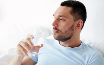 '' کیا رسولﷺ نے صبح نہار منہ پانی پینے سے منع فرمایا ہے؟'' پانی سے علاج کرنے والوں کے لئے انتہائی حیران کن بات