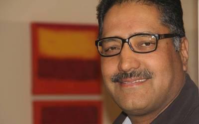 مقبوضہ کشمیر کے نامور صحافی شجاعت بخاری کو فائرنگ کر کے شہید کر دیا گیا