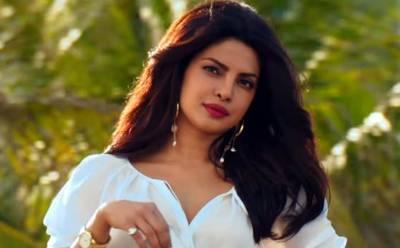 """پریانکا چوپڑا بالی ووڈ میں سب سے زیادہ معاوضہ لینے والی اداکارہ بن گئیں، فلم 'بھارت' کیلئے کتنے کروڑ روپے لئے؟ جان کر آپ بے اختیار کہہ اٹھیں گے """"اینے وڑے!!!؟"""""""