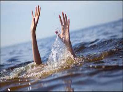 انڈونیشیا، 80افرادکولے جانے وا لی کشتی ڈوب گئی ، ایک شخص ہلاک ،درجنوں لاپتہ