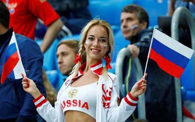 فیفا ورلڈ کپ کی سب سے پرکشش خاتون فین بھی سامنے آگئی،لیکن وہ ماضی میں کیا شرمناک کام کرتی تھی ؟پوری دنیا میں تہلکہ مچ گیا