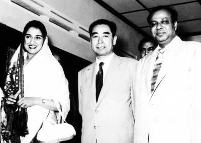 وہ غیر ملکی خاتون جسے پاکستانی سفیر اپنے ساتھ امریکہ لے گیا اور جب وہ پاکستان آئی تو خاتون اوّل بن گئی لیکن پاکستان کی طاقتور خواتین نے اس کے ساتھ کیا سلوک کیا ، جان کر آپ دنگ رہ جائیں گے