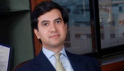امریکا میں پاکستان کے نئے سفیر علی جہانگیر نے ٹرمپ کو سفارتی اسناد پیش کردیں
