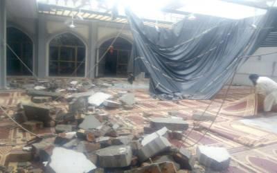 لاہور : نماز جمعہ کے دوران 2 مسجدوں کی دیواریں گر گئیں ، 13 افراد زخمی