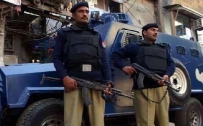 کراچی؛کورنگی ٹاﺅن میں مبینہ پولیس مقابلے میں 2 ملزم زخمی حالت میں گرفتار
