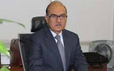 لوگ نواز شریف کی آمد پر پیار کا اظہار کریں ، قانون اپنے راستے پر چلے گا:نگران وزیر دفاع