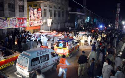 پشاور میں اے این پی کے جلسے میں خود کش دھماکہ ،ہارون بلور سمیت 21 افراد شہید ،75 سے زائد زخمی