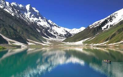 پاکستان کے معروف سیاحتی مقام جھیل سیف الملوک کے قریبی علاقوں میں پاک فوج پہنچ گئی، ایسا کام شروع کردیا کہ دیکھ کر پاکستانی تو کیا ، سیاح بھی داد دیئے بغیر نہ رہ پائیں گے