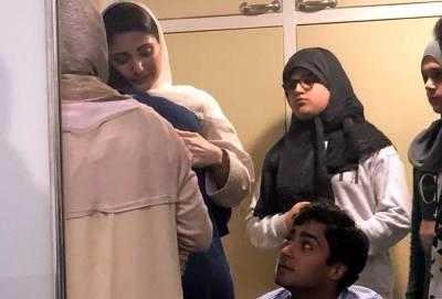 ائیرپورٹ روانگی سے قبل مریم نواز اپنے بچوں سے ملتے ہوئے رو پڑیں، تصاویر نے سوشل میڈیا پر کھلبلی مچا دی، ہر آنکھ اشکبار ہو گئی