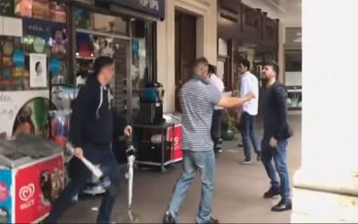 جنید صفدر کی لندن میں لڑائی کی ویڈیو بھی منظر عام پر آگئی، کس طرح ایک شخص کو مارمار کر ہسپتال پہنچادیا ؟ دیکھ کر آپ بھی کانپ جائیں گے