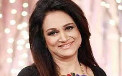 معروف اداکارہ بشریٰ انصاری کا عمران خان کی حمایت کا اعلان